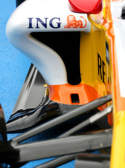 Renault R29: Motorabdeckung