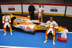 Fernando Alonso; Flavio Briatore; Romain Grosjean; und Nelson A. Piquet, Renault, R29