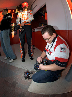 Raybestos Rookie of the Year radio-controlled car race event: Joey Logano, Joe Gibbs Racing Toyota has technical problems