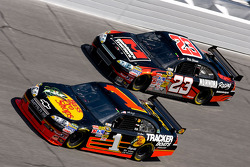 Martin Truex Jr., Earnhardt Ganassi Racing Chevrolet, Mike Skinner, R3 Motorsports Chevrolet
