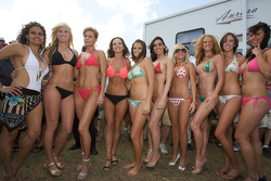 A group shot of the lovely contestants