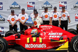 Pole winner Graham Rahal, Newman/Haas/Lanigan Racing, celebrates with his team