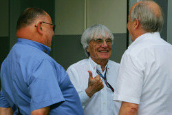 Pat Behar, FIA, Photographers Delegate, Bernie Ecclestone, President and CEO of Formula One Management and Karl-Heinz Zimmerman