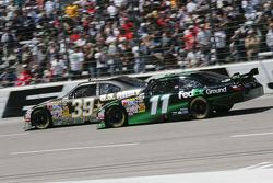 Ryan Newman, Stewart-Haas Racing Chevrolet, Denny Hamlin, Joe Gibbs Racing Toyota