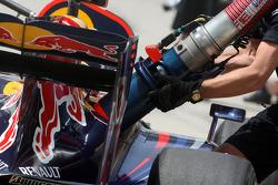 Mark Webber, Red Bull Racing, essai de ravitaillement