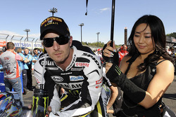 Colin Edwards, Monster Yamaha Tech 3 with his umbrella girl