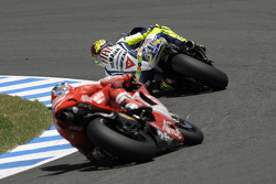 Valentino Rossi, Fiat Yamaha Team leads Casey Stoner, Ducati Marlboro Team