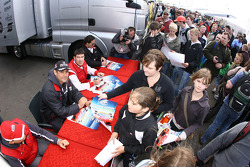 Autograph session: Karl Wendlinger and Ryan Sharp