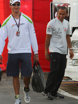 Adrian Sutil, Force India F1 Team and Lewis Hamilton, McLaren Mercedes