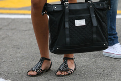 Shoes and bag of Raquel Rosario Wife of Fernando Alonso