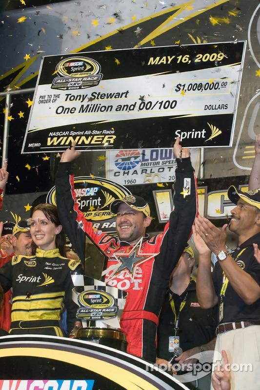 2009: Tony Stewart (Stewart/Haas-Chevrolet)