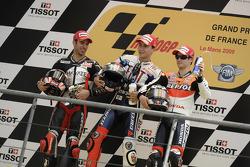Подіум: 1. Хорхе Лоренсо, Fiat Yamaha Team. 2. Марко Меландрі, Hayate Racing Team. 3. Дані Педроса, Repsol Honda Team