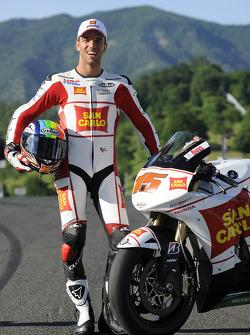 Alex de Angelis during the Team Gresini photo shoot