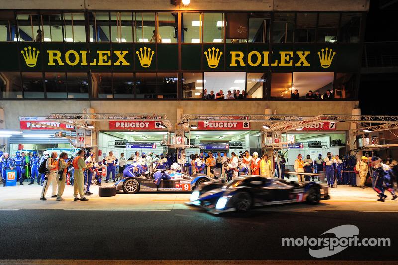 2009 год. Ночной пит-стоп в Peugeot