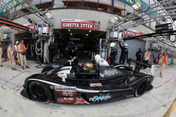 Pit stop for #23 Strakka Racing Ginetta Zytek: Danny Watts, Peter Hardman, Nick Leventis