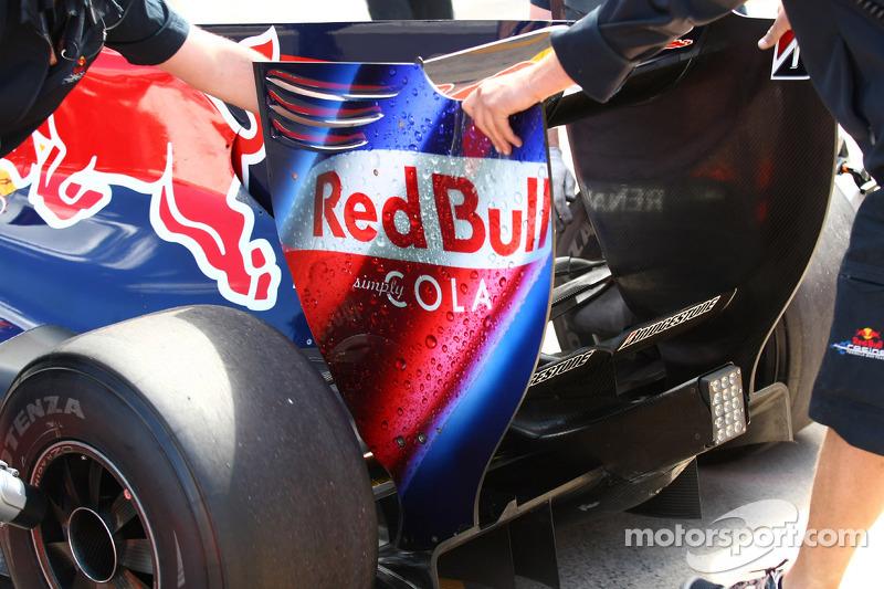 New rear wing end plate of Sebastian Vettel, Red Bull Racing