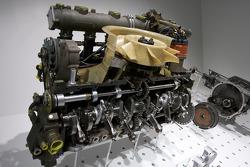 1973 Porsche 917/30 Spyder 1,200 hp 12-cylinder engine display