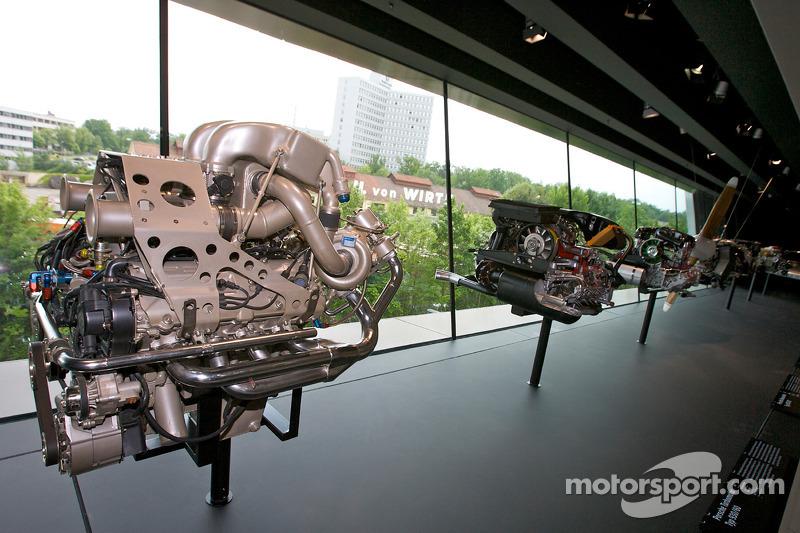 Porsche V8 bi-turbo engine