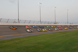 Pace lap: Tony Stewart, Stewart-Haas Racing Chevrolet and Jeff Gordon, Hendrick Motorsports Chevrolet lead the field