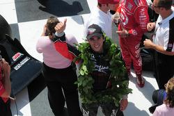 Victory lane: race winner Justin Wilson, Dale Coyne Racing