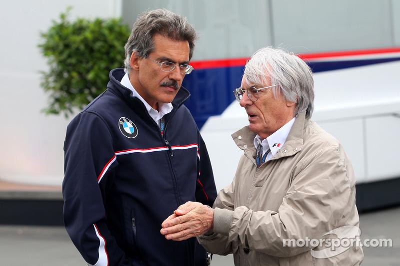 Dr. Mario Theissen, BMW Sauber F1 Team, BMW Motorsport Directeur, Bernie Ecclestone