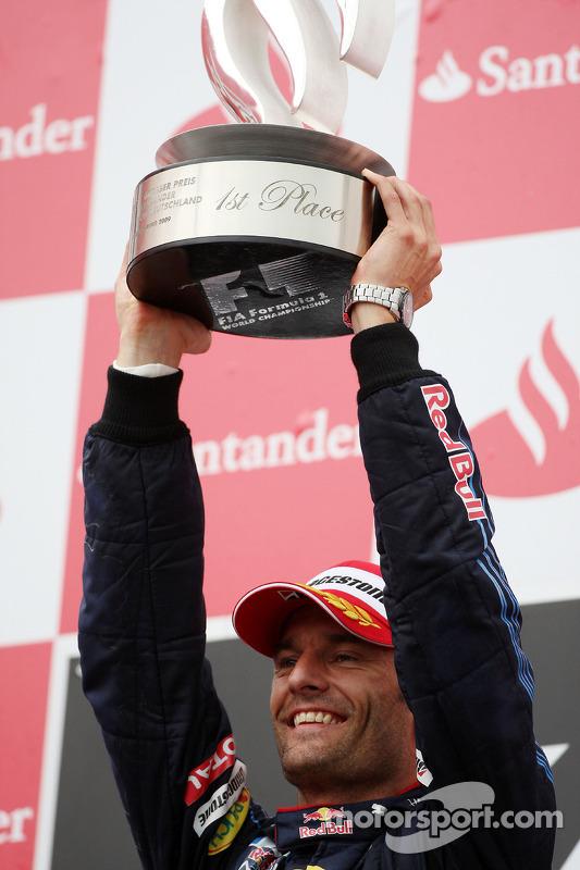 Podium: race winner Mark Webber, Red Bull Racing celebrates