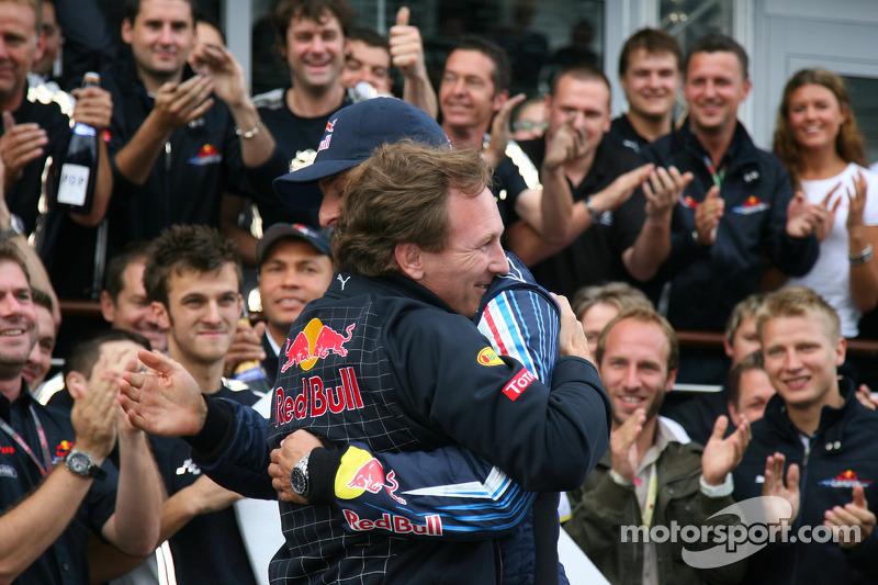 Race winner Mark Webber, Red Bull Racing celebrates with Christian Horner, Red Bull Racing, Sporting Director