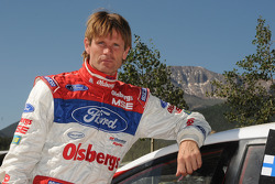 Marcus Gronholm with Pikes Peak in the background