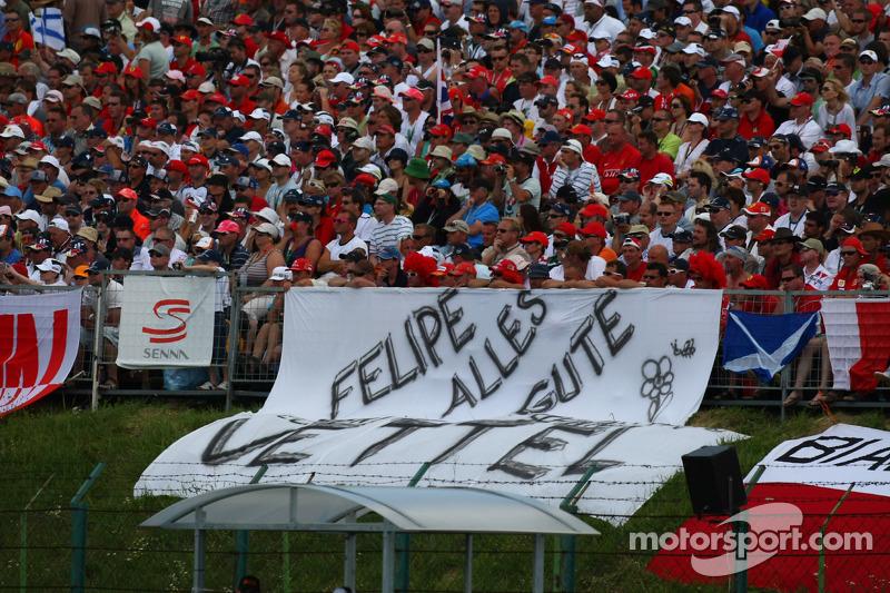 Fans show their support for Felipe Massa
