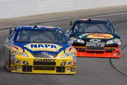 Michael Waltrip, Michael Waltrip Racing Toyota, Martin Truex Jr., Earnhardt Ganassi Racing Chevrolet
