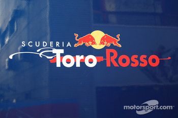 Toro Rosso ties up with Giant