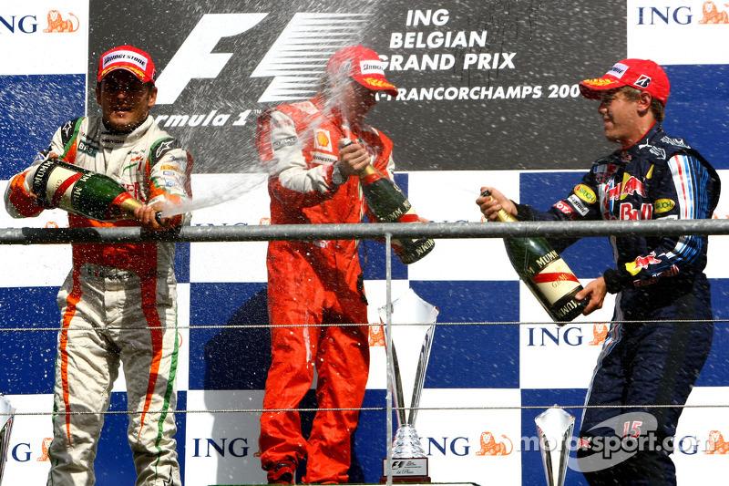 2009. Подіум: 1. Кімі Райкконен, Ferrari. 2. Джанкарло Фізікелла, Force India-Mercedes. Себастьян Феттель, Red Bull-Renault