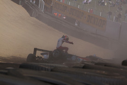Jules Bianchi, ART Grand Prix, Dallara F308 Mercedes y Tiago Geronimi, Signature, Dallara F308 Volkswagen, accidente fuertemente provocando una bandera roja
