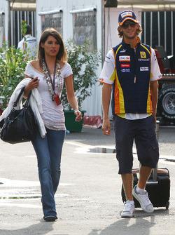 Romain Grosjean, Renault F1 Team, mit Freundin Marion Jolles