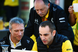 Guillaume Boisseau, Renault Group Brands Director with Frederic Vasseur, Renault Sport F1 Team Racing Director and Cyril Abiteboul, Renault Sport F1 Managing Director