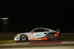 #86 Gulf Racing, Porsche 911 RSR: Michael Wainwright, Adam Carroll, Benjamin Barker