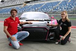 Präsentation: Mikaela Ahlin-Kottulinsky und Marco Bonanomi, Aust Motorsport