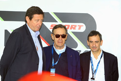 Gerard Neveu, WEC CEO with Lindsay Owen-Jones, President of the FIA Endurance Commission and Pierre Fillon, ACO President