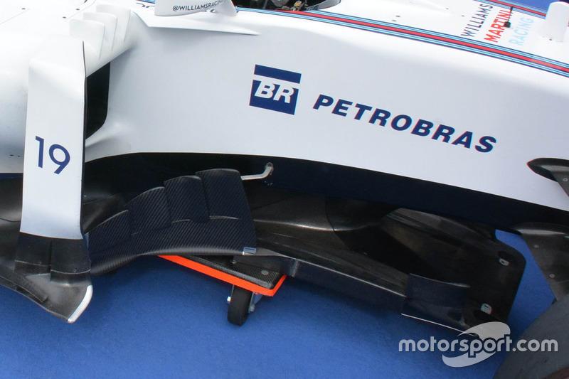 Williams FW38, le bande verticali del deflettore