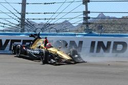 Crash von James Hinchcliffe, Schmidt Peterson Motorsports Honda