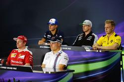 Пресс-конференция: Маркус Эрикссон, Sauber, Нико Хюлькенберг, Sahara Force India F1, Кевин vfuyeccty, Renault Sport F1 Team, Кими Райкконен, Ferrari и Валттери Боттас, Williams