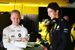 (L to R): Kevin Magnussen, Renault Sport F1 Team with Esteban Ocon, Renault Sport F1 Team Test Driver