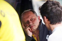 Frederic Vasseur, Direttore Corse Renault Sport F1 Team con Jolyon Palmer, Renault Sport F1 Team