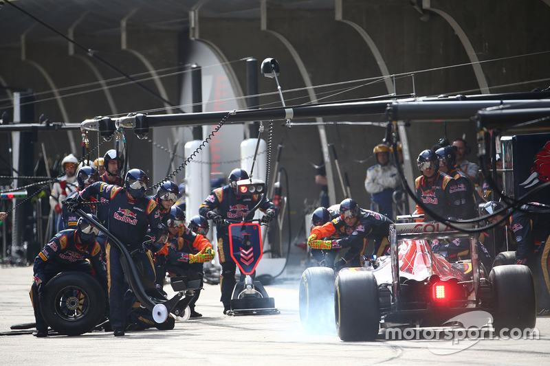 China: De nuevo en los puntos, pero detrás de Verstappen