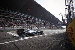 Winnaar Nico Rosberg, Mercedes AMG F1 Team W07