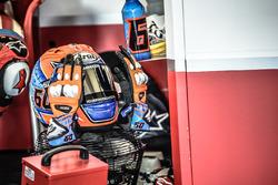 Le casque et les gants de Michael van der Mark, Honda WSBK Team