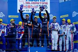 #38 G-Drive Racing Gibson 015S-Nissan: Simon Dolan, Giedo van der Garde, Harry Tincknell racewinnaars