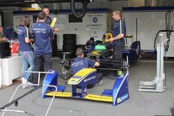 Renault e.Dams garage atmosphere