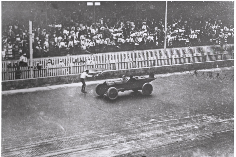 Checkered flag for Ray Harroun