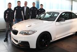 Ricky Collard, Nico Menzel, BMW-Sportchef Jens Marquardt, Louis Delétraz und Jesse Krohn